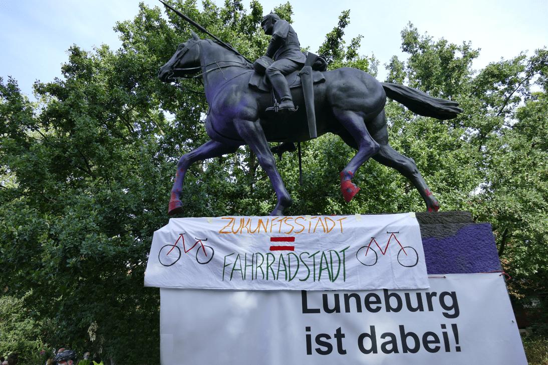 Read more about the article Das Bürgerbegehren liegt vor uns, die Diskussion hat bereits begonnen!